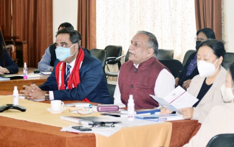 Prof Pardeshi Lal and others at the inaugural session of one day orientation programme on 'Choice Based Credit System' in Kohima on April 16. (Morung Photo)