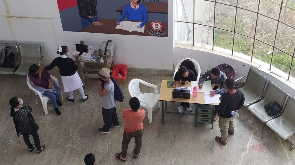 Health workers in one of the state's district hospitals administer COVID-19 vaccine dose. (Photo Courtesy: Twitter@NagalandNhm)