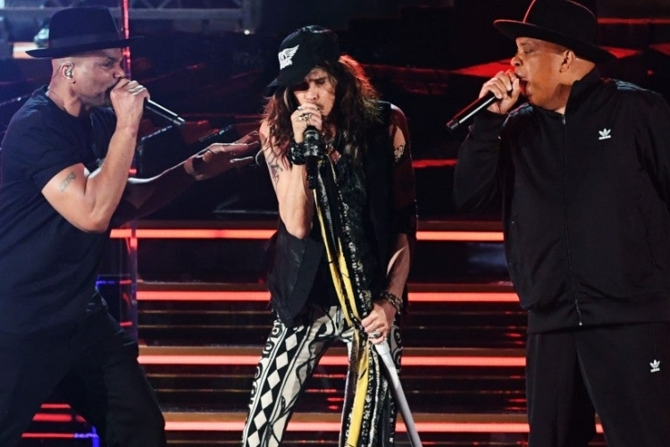 Aerosmith reunites with Run-D.M.C. at Grammys gig